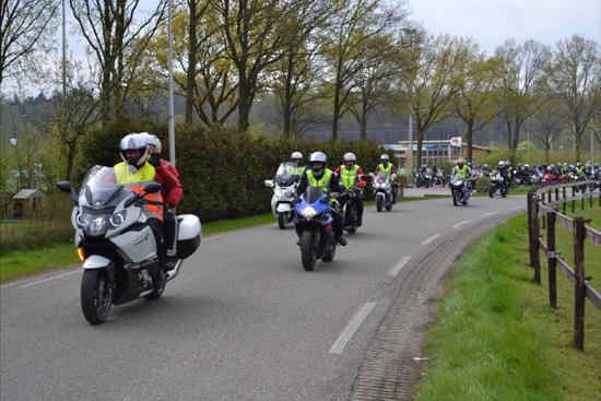 Jaarlijkse motorrit oud-leerlingen Joop Hagen