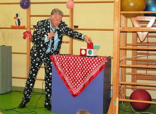 24 juni Crazy jeugdshow naar speeltuinvereniging Emst!