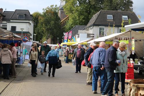 Jaarmarkt in het centrum van Vaassen
