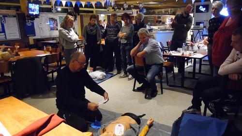 AED-cursus bij SV Vaassen