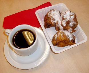 Oliebollen tijdens koffie-inloop in De Hezebrink