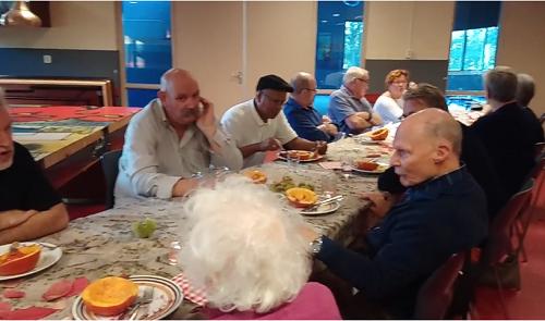 Samen eten In Balai Pusat