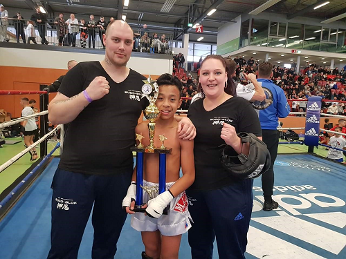Jamano Kertokarijo uit Vaassen Europees Kampioen K1 Kickboxing!!
