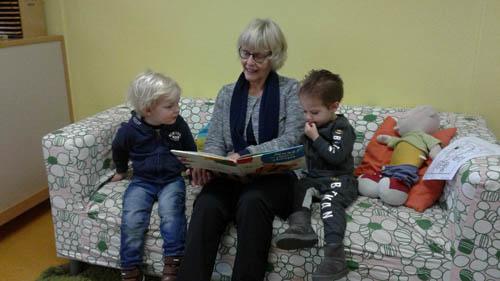 Opa's en oma's op bezoek bij KOM Kinderopvang