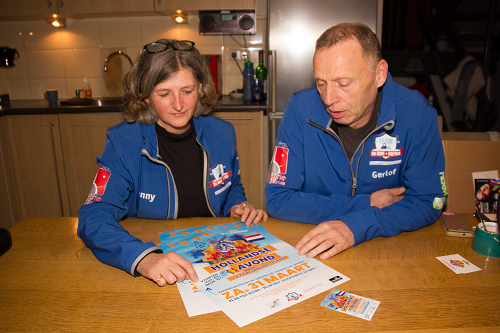 Vaassen Actief aan tafel bij Jenny Berends en Gerlof Toorn.
