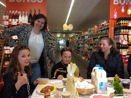 Paasontbijt bij Albert Heijn Vaassen