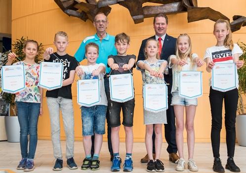 Verkeersdiploma 'met lof' voor 7 kinderen