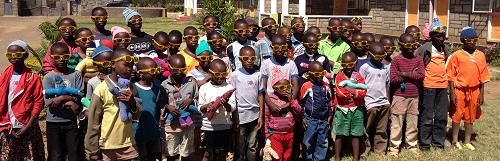 Koopjesmarkt ten behoeve van een weeshuis in Kenia