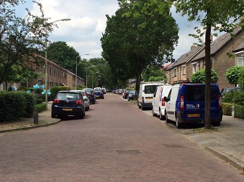 Ds. van Rhijnstraat in Emst éénrichtingsverkeer