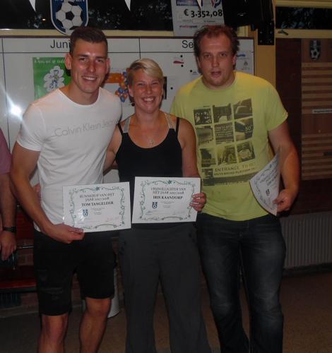 Piet Schreurs vrijwilligersprijs voor  Iris Kaandorp en Tim Koman