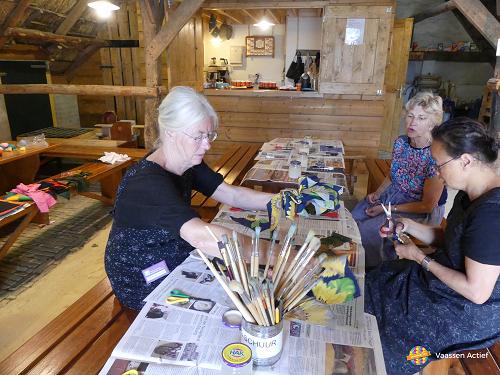 Drukke Middag kinderen en ouderen bij Veluws Museum Hagedoorns Plaatse