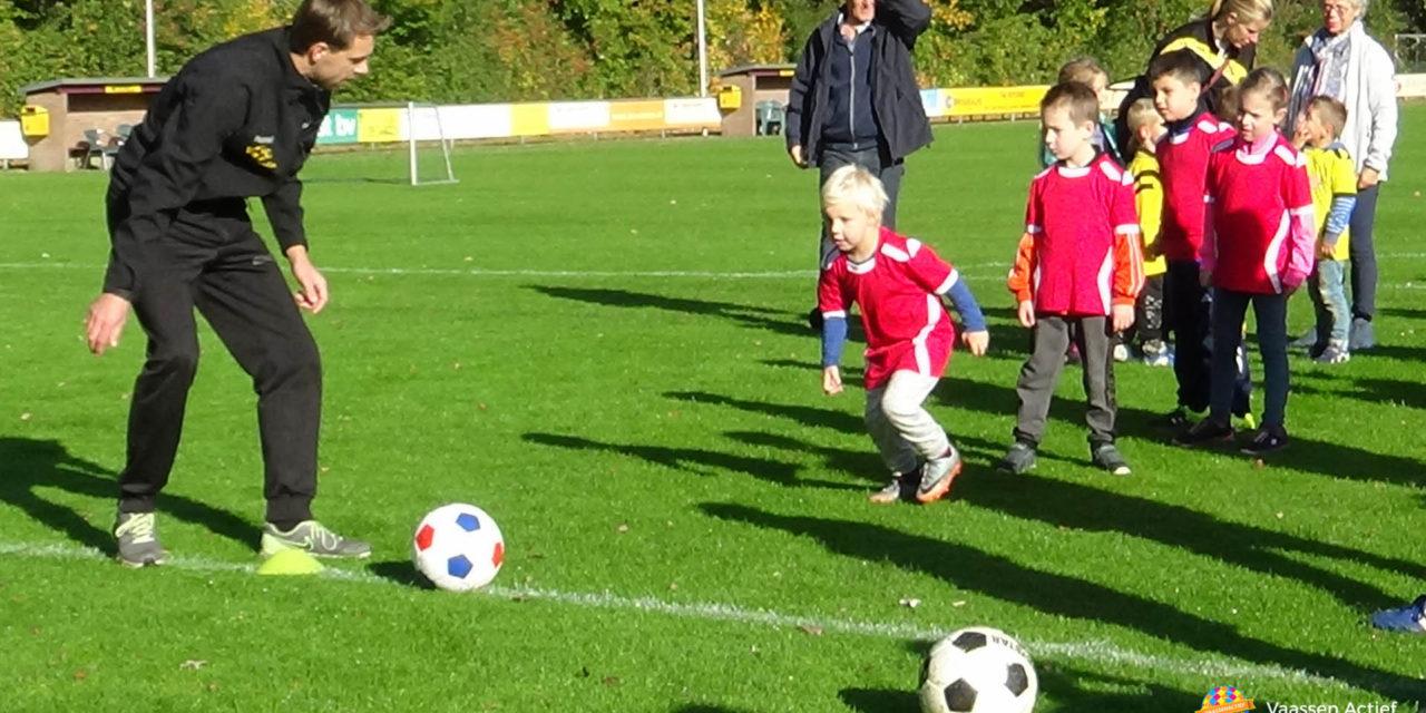 Mini's Vios Vaassen speelden een toernooi bij S.V. Wissel