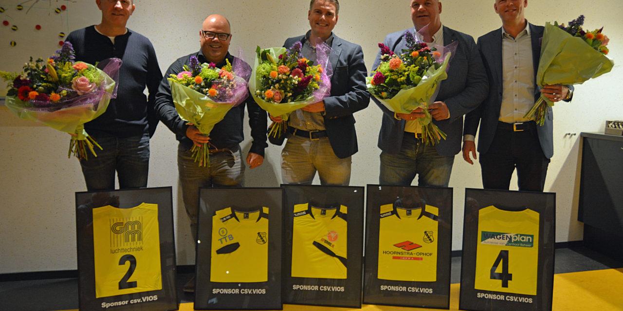 Selectie sponsoren tekenen 3 jarig contract bij VIOS