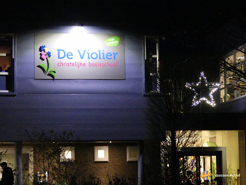 Gezellige kerstmarkt op basisschool de Violier in Vaassen
