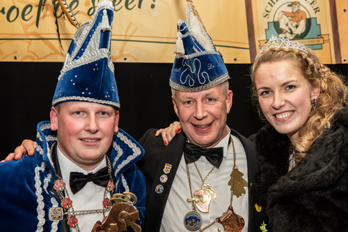 Prins Tom en Prinses Sanne presenteren Rossumdaerper Prinsenbal op 13 januari