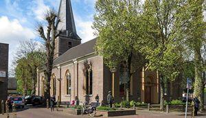 The Young Church Singers en band in Dorpskerk Vaassen