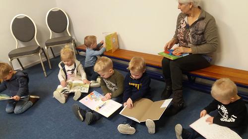 Bibliotheekuitleenpunt Hezebrink/ Emst doet mee aan de landelijke voorleesweek 2019