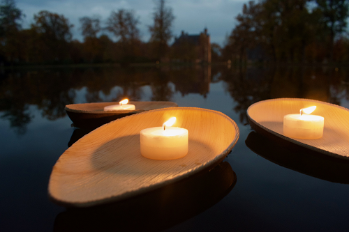 Monuta Uitvaartverzorging organiseert op vrijdag 29 maart 'Licht in het park Cannenburch'.