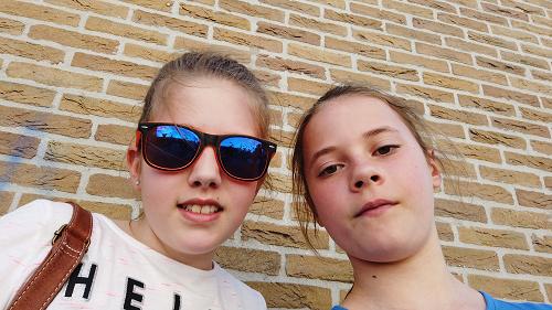 """Jenthe & Sarah met hun vlog over """"Pasen in Vaassen"""" 2019"""