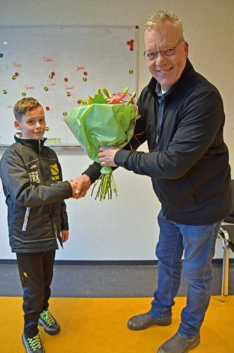 Patrick de Vries verlengd contract pupil van de week bij c.s.v Vios Vaassen.