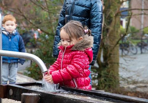 Opening natuurspeelplaats bij de basisschool De Sprenge