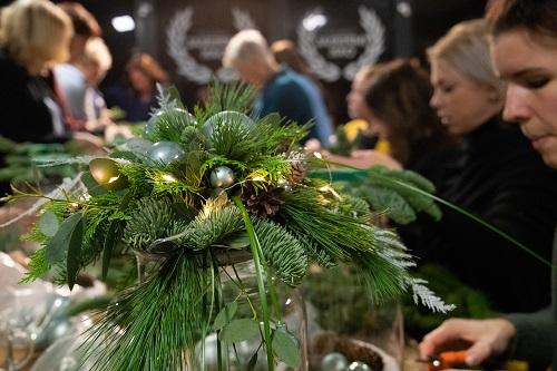 Kerstworkshop georganiseerd door De Bloemenboerderij en Huis&Wiers wonen