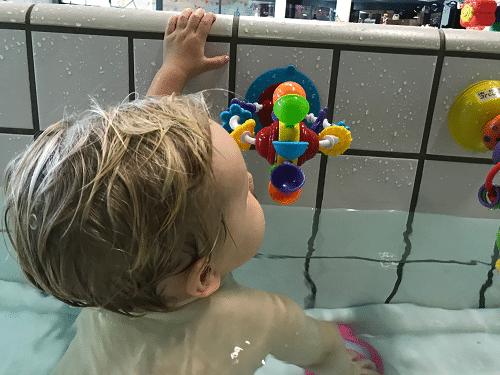 Baby-, Peuter-, Kleuterdisco in zwembad