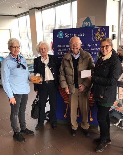 Tweede prijswinnaars bekend van de spaaractie voor het VFC bij de Albert Heijn Vaassen