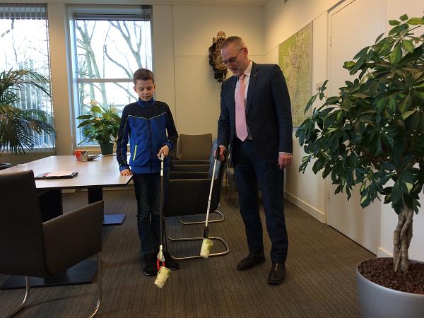 Tienjarige Jelte uit Epe wordt ambassadeur zwerfafval