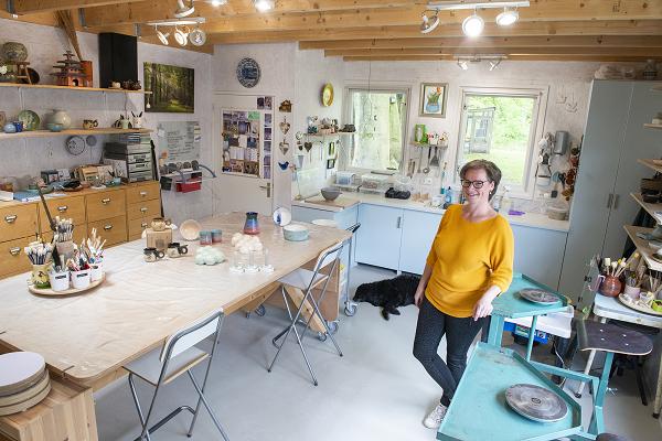 Atelier Bronnenstijl in Epe maakt keramiek in opdracht