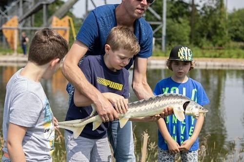 Kindervismiddag catch&release op de avonturenvijver
