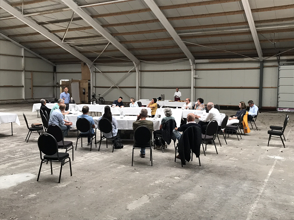 Opbouwende sessies in tennishal, SprenghenParc spreekt betrokken bewoners