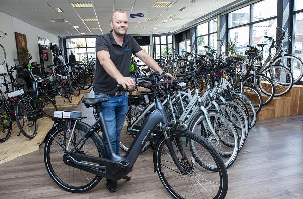 Volop elektrische fietsen bij Vincent Wijnbergen in Vaassen