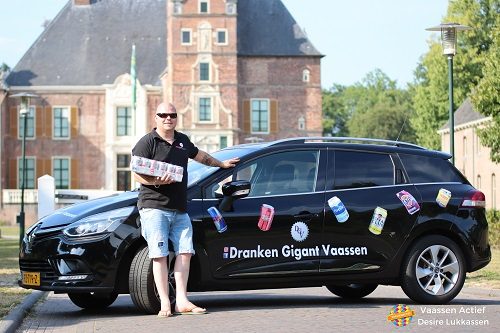 Dranken Gigant Vaassen Doneert 20 Trays Frisdrank aan de Voedselbank.