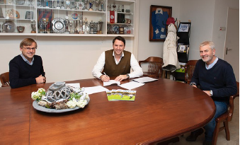 Gosschalk tekent Sponsorcontract SV Epe