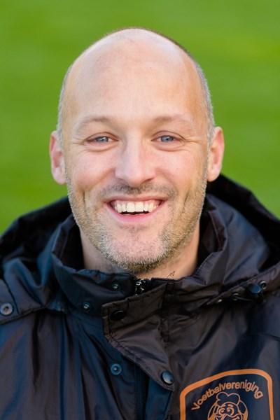 2e seizoen voor hoofdtrainer Jeroen de Vries bij V.v. Emst