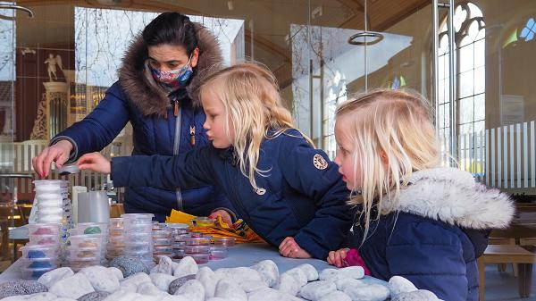Tientallen kinderen maken Vaassen weer vrolijk
