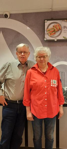 Albert en Marlene van Loo stoppen met de Spar in Emst