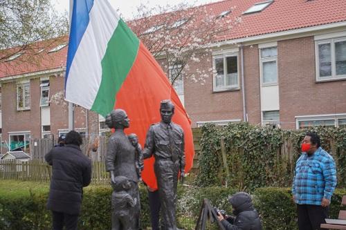 Ceremoniele Vlaghijsing RMS in Vaassen