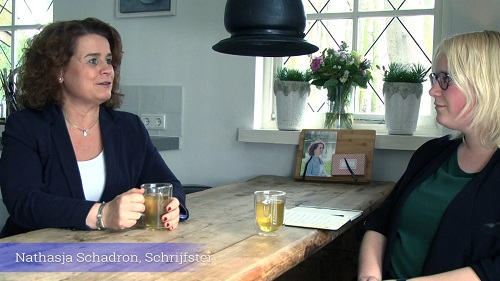 """'Morgen zal het vrede zijn"""" interview met schrijfster Natasja Schadron"""