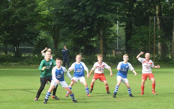 JO11-1 Vaassen wint spannende wedstrijd na strafschoppen.
